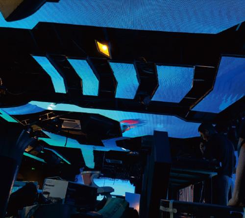飞机造型LED天幕屏