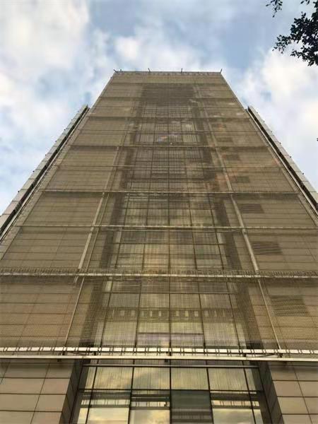 山西太原国投售楼大厦 软幕户外LED透明屏